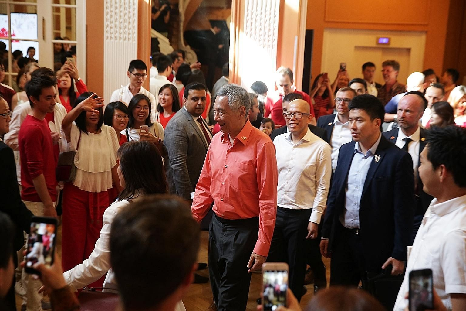 Prime Minister Lee Hsien Loong meeting the Singaporean community in France at the Hotel des Arts et Metiers in Paris on Saturday night.