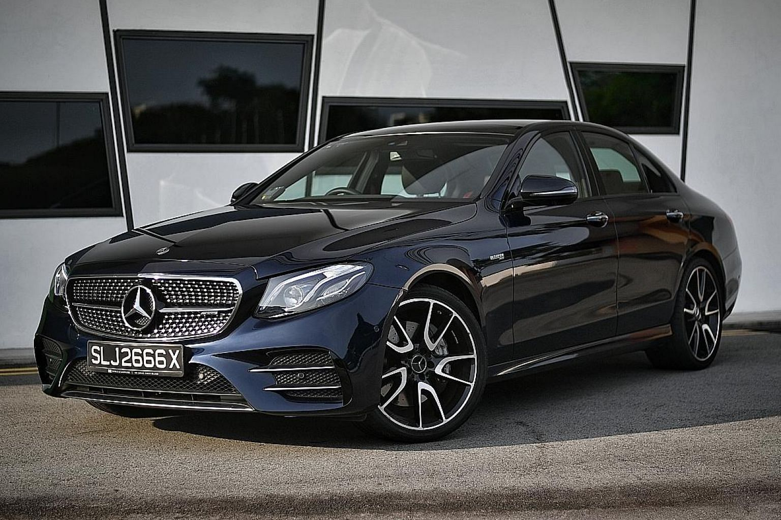 The latest Mercedes-AMG E43 Saloon is equipped with a 3-litre V6 engine with twin turbochargers and churns out 401hp and 520Nm of torque.