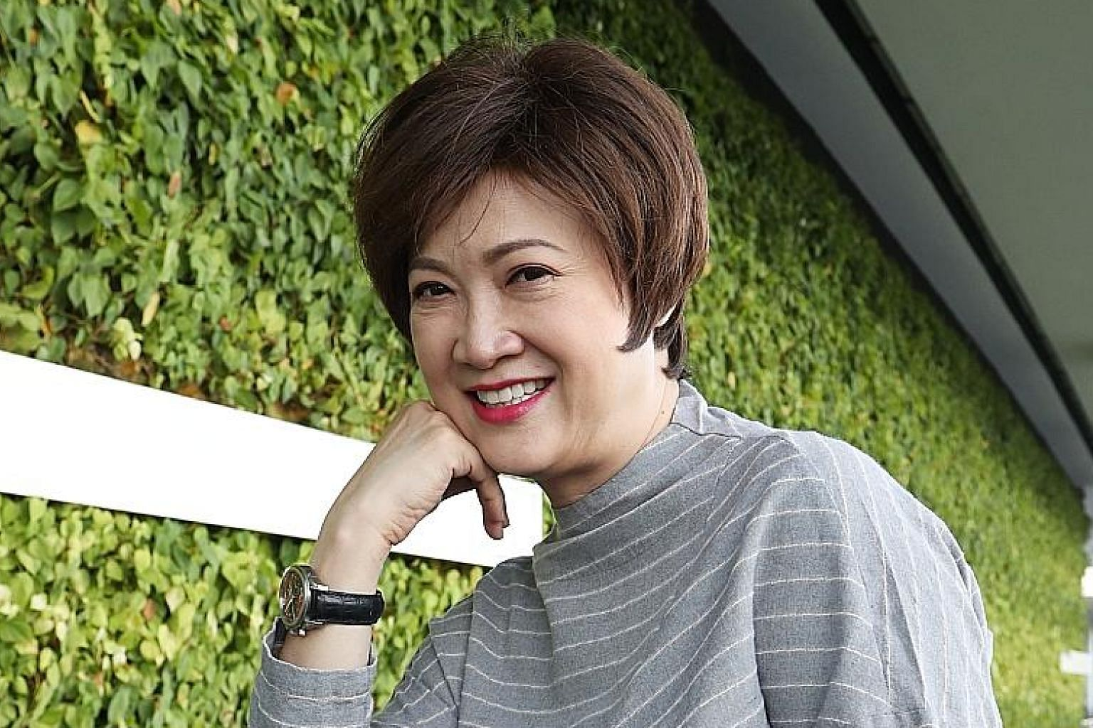 Actresses Hong Huifang (above) and Pan Lingling have been friends for more than two decades.