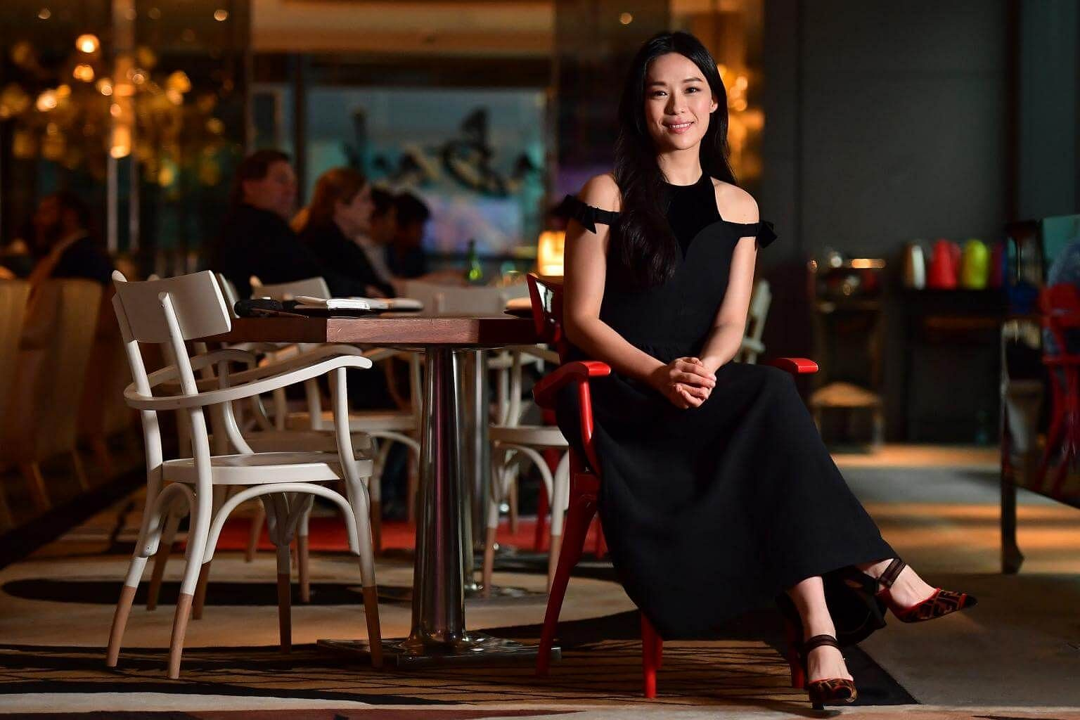 From Primary 4 to Secondary 4, Rebecca Lim was overweight, and she was in the Trim and Fit weight-loss programme at school. Rebecca Lim's early years on TV were tough because her command of Mandarin was poor. The actress saw this as a glaring problem