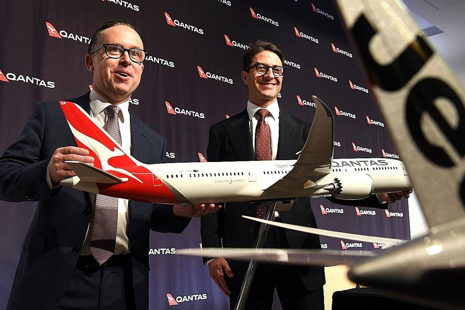 Qantas forecast an A$690 million (S$690 million) increase in its fuel bill for the current financial year but chief executive officer Alan Joyce (at left) said the airline should be able to fully recover rising fuel costs in the domestic market and d