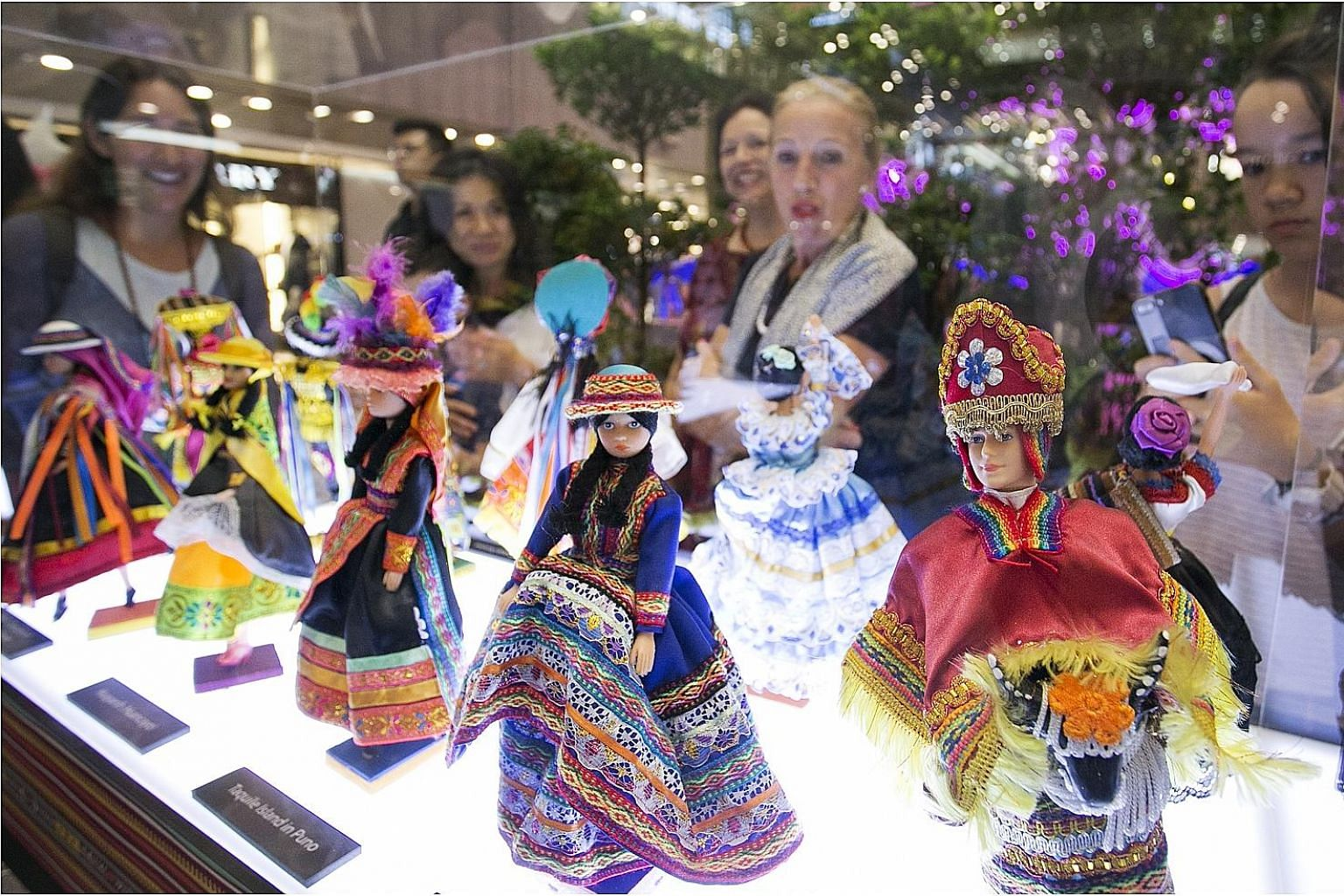 The crafts, colour and culture of 10 Latin American countries are on display in Paragon shopping centre as part of the mall's partnership with the Latin American Chamber of Commerce, Singapore. Enjoy song and dance performances, an exhibition of the