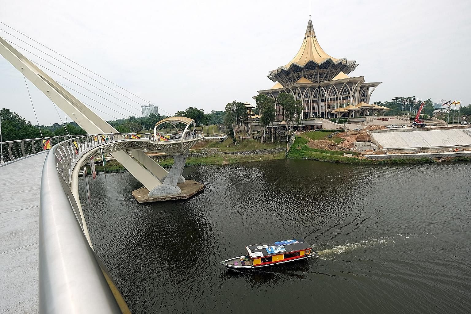 Sarawak's State Assembly building. The state and Sabah have long sought higher oil royalties and more infrastructure development. A renewed demand for state rights has also been spurred by local parties and pacts like Parti Warisan Sabah and Gabungan