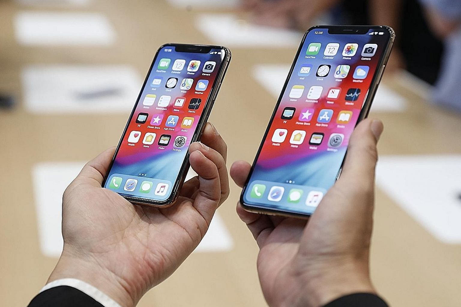 The Apple iPhone XS and XS Max have displays with vivid colours and great contrast.