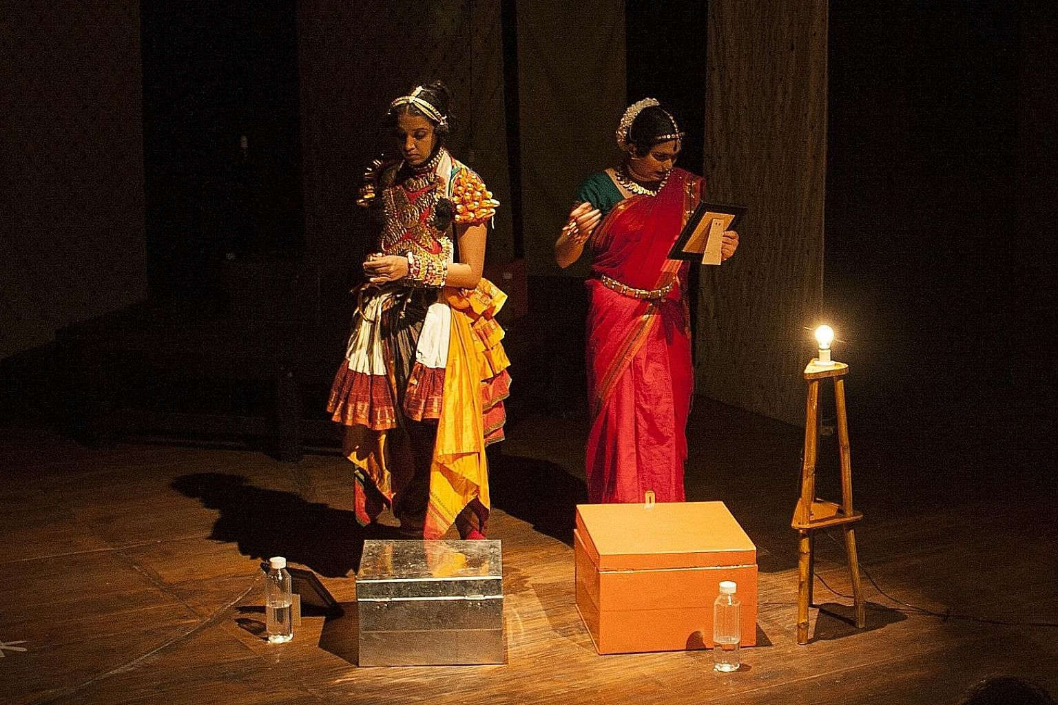 Akshayambara by Dramanon from India examines what happens when roles are reversed in a traditionally male-dominated theatre practice called yakshagana.