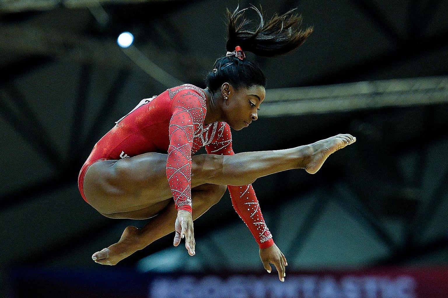 Simone Biles on her way to a bronze in the beam. Her four golds, a silver and a bronze put her level on 20 world championship medals with Svetlana Khorkina.