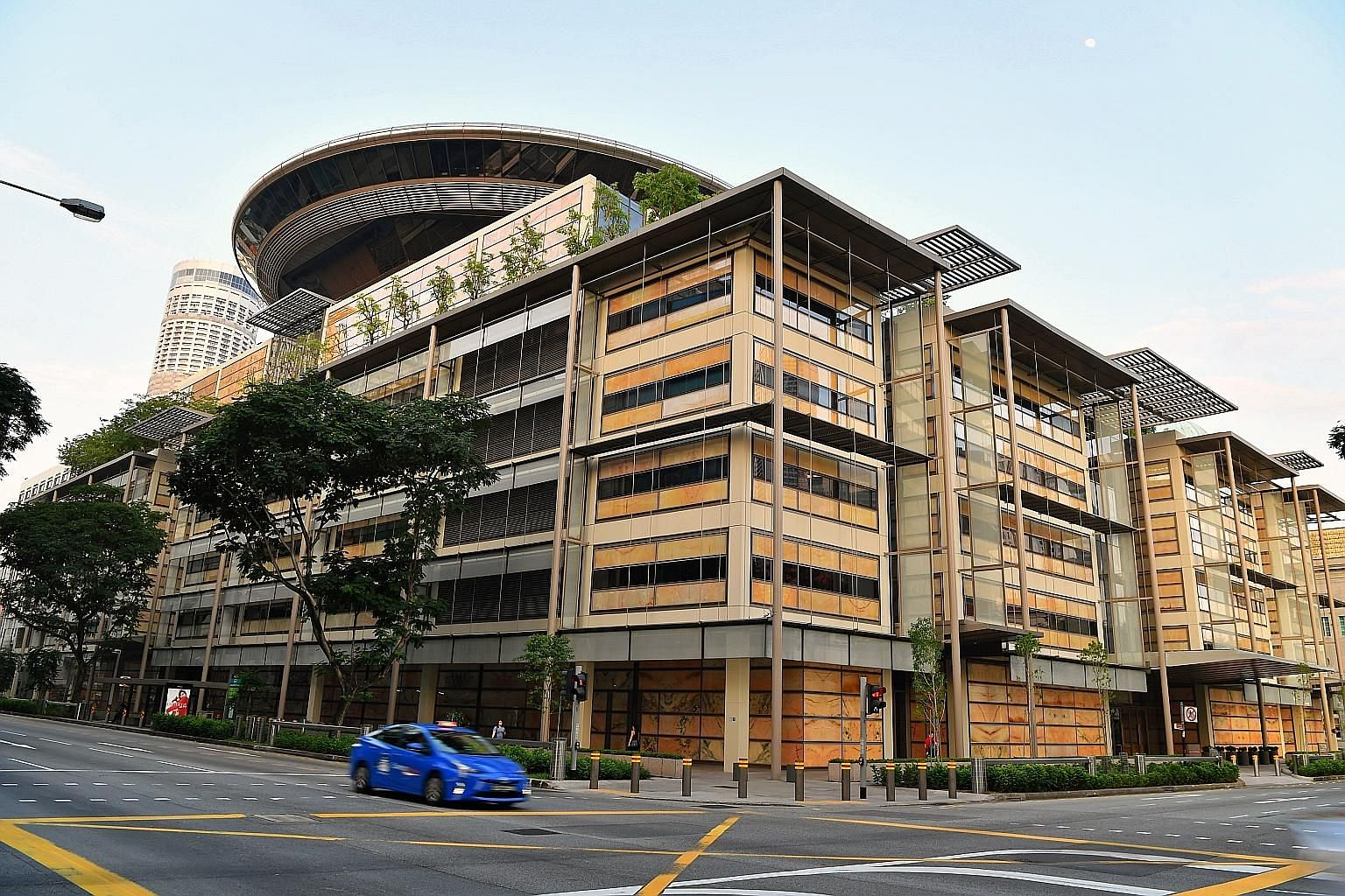 The postmodern Supreme Court building is emblematic of Singapore's emergence as a regional dispute resolution and commercial legal business hub. A modernised legal industry is a necessary element of Singapore's economic and digital transformation and
