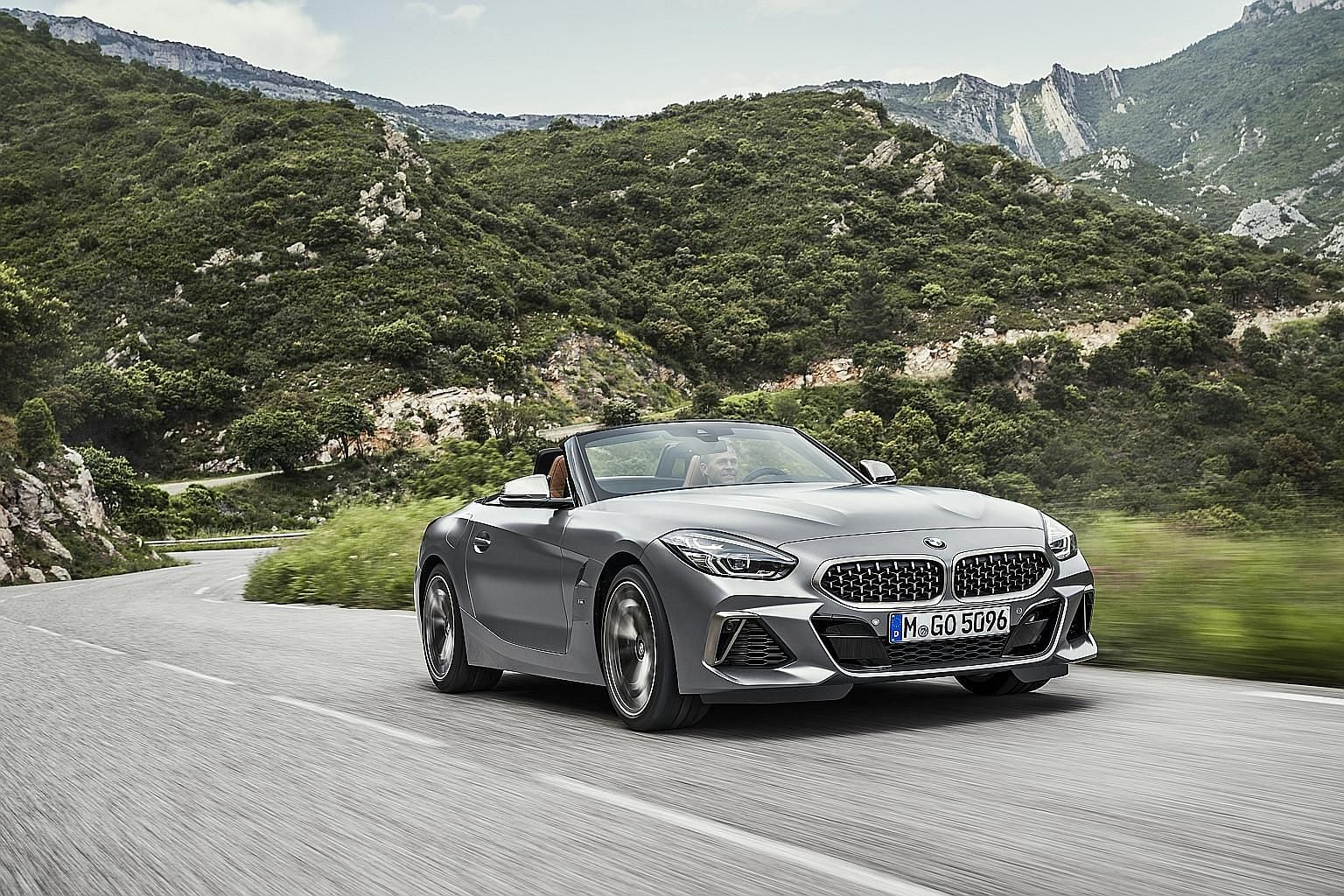 The soft top of the BMW Z4 goes down in 10 seconds, even on the move at up to 50kmh.