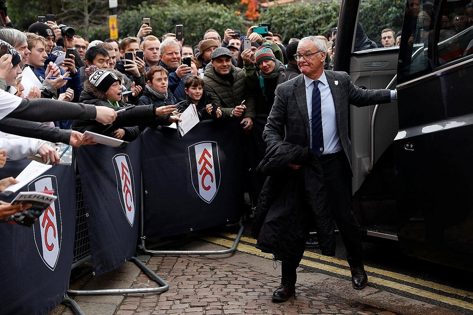 Fulham manager Claudio Ranieri (right) is walking right into a London derby with Chelsea, his former club, in his second match in charge. It is one of three derbies in the EPL this weekend.