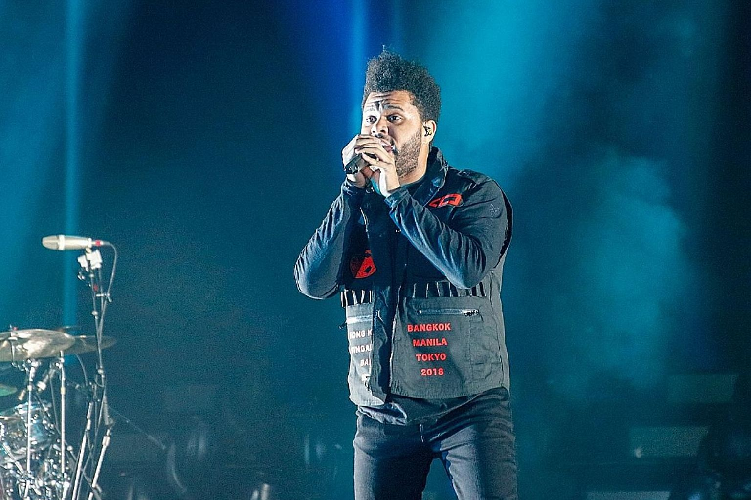 During the concert, which lasted more than 80 minutes, The Weeknd covered R&B, rap, electronica and mainstream pop numbers.