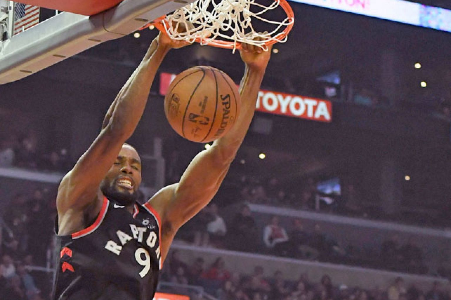 Toronto Raptors forward Serge Ibaka dunking the ball in the second half, as LA Clippers guard Milos Teodosic watched at Staples Centre on Tuesday. The Raptors won 123-99, improving their league-leading record to 22-7.