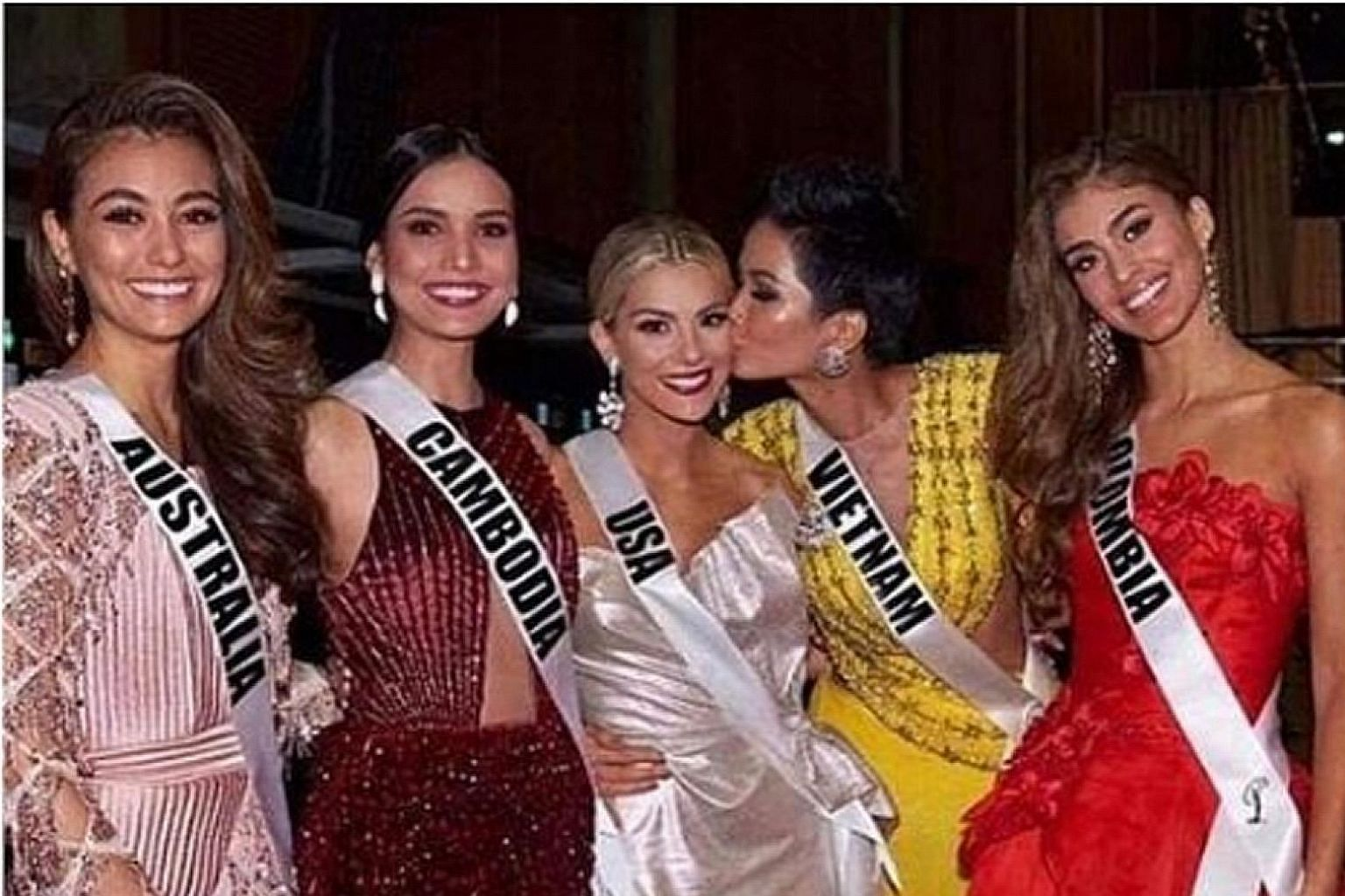 Miss USA Sarah Rose Summers in Bangkok with (from left) Miss Australia Francesca Hung, Miss Cambodia Nat Rern, Miss Vietnam H'Hen Nie and Miss Colombia Valeria Morales.