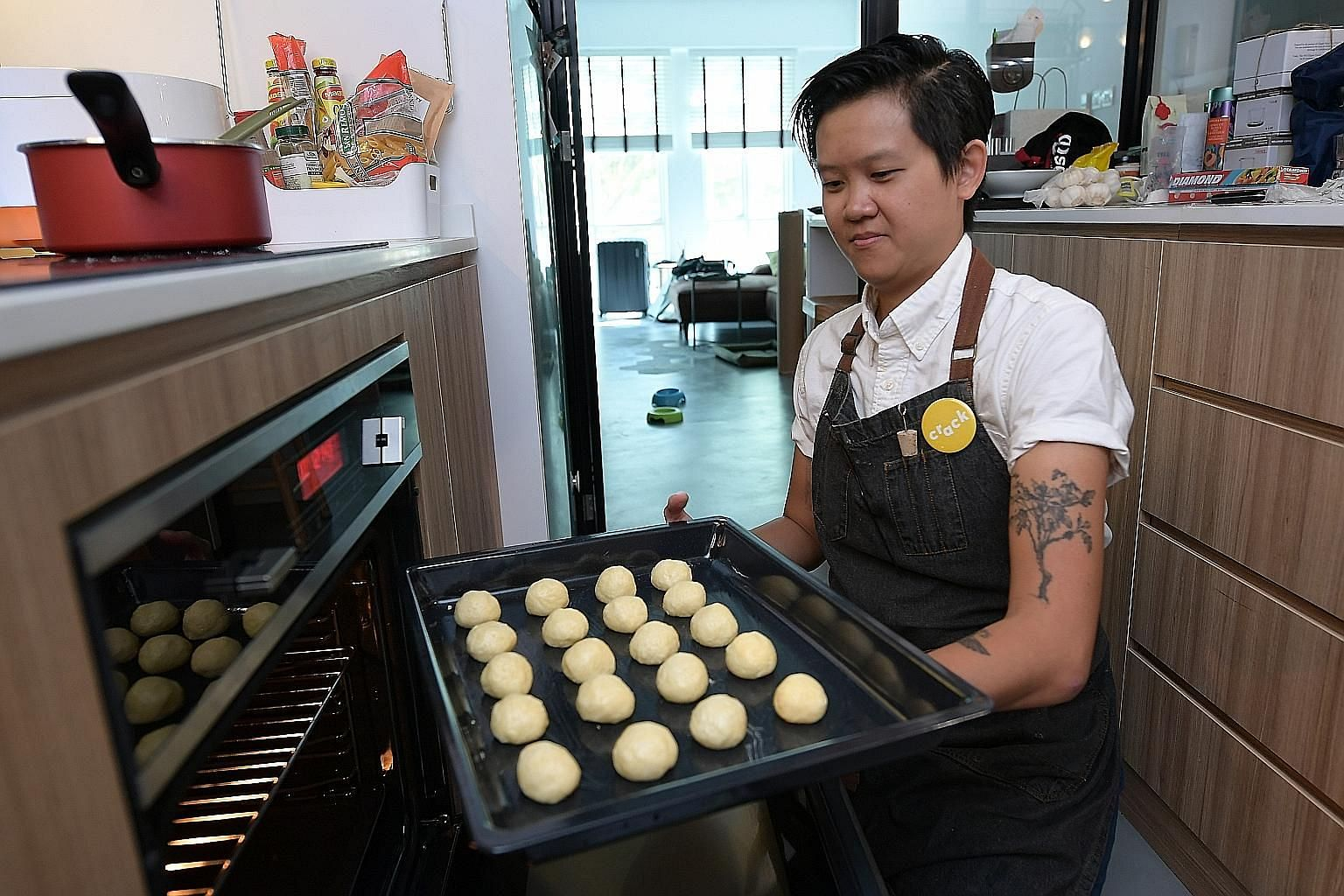 Ms Lynette Zheng went from lawyer to chef as she finds most joy in the kitchen. She set up a pop-up food business, Crack, before starting a private supper club at her own home. This month, she is travelling to find out about new cuisines and how diff