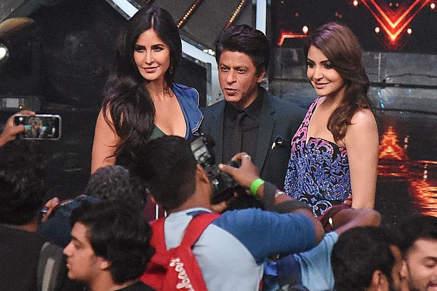 Actors (from left) Katrina Kaif, Shah Rukh Khan and Anushka Sharma promoting Zero on reality television singing show Indian Idol in Mumbai on Tuesday.