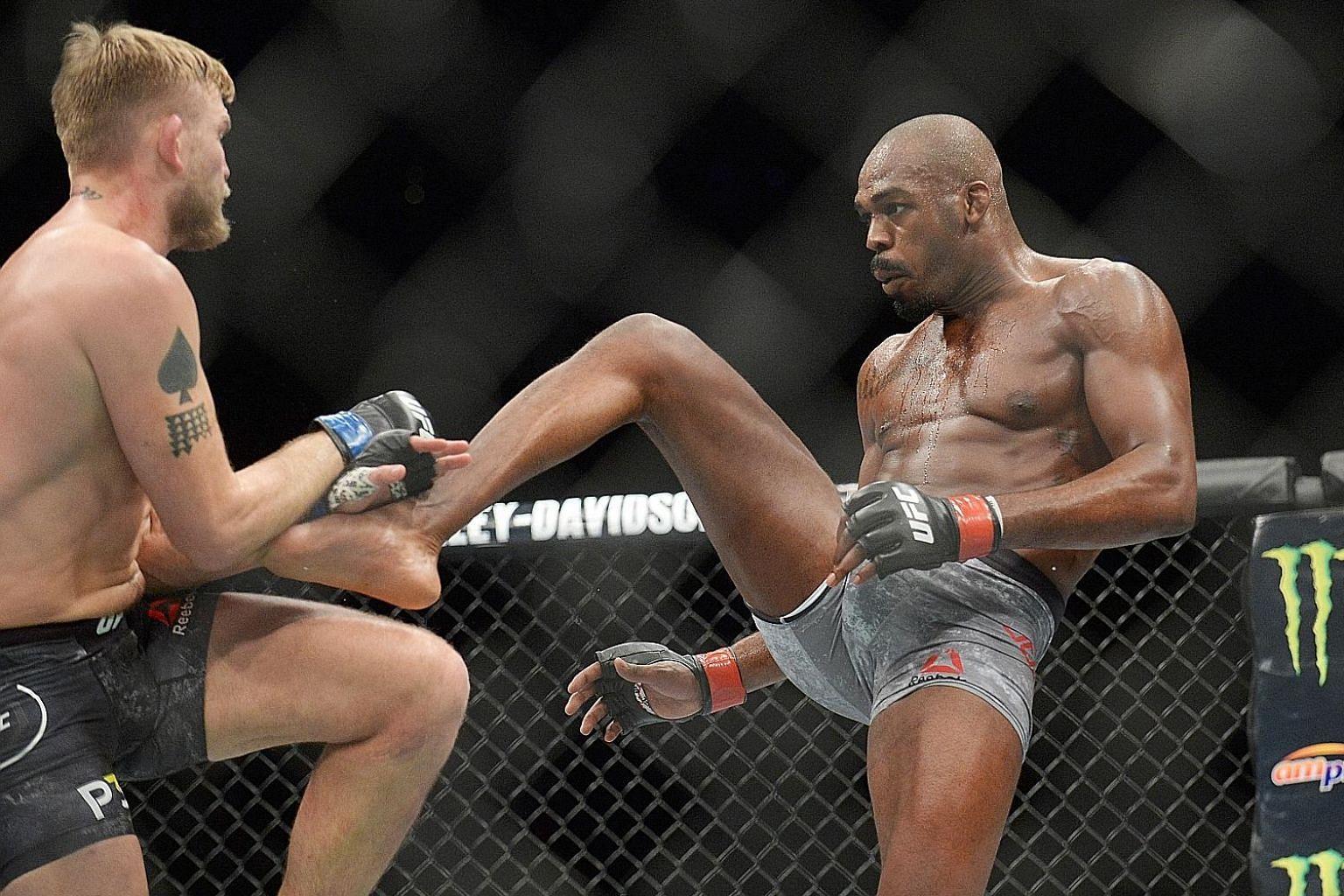 Jon Jones (right) knocking Alexander Gustafsson out for the UFC light heavyweight belt.