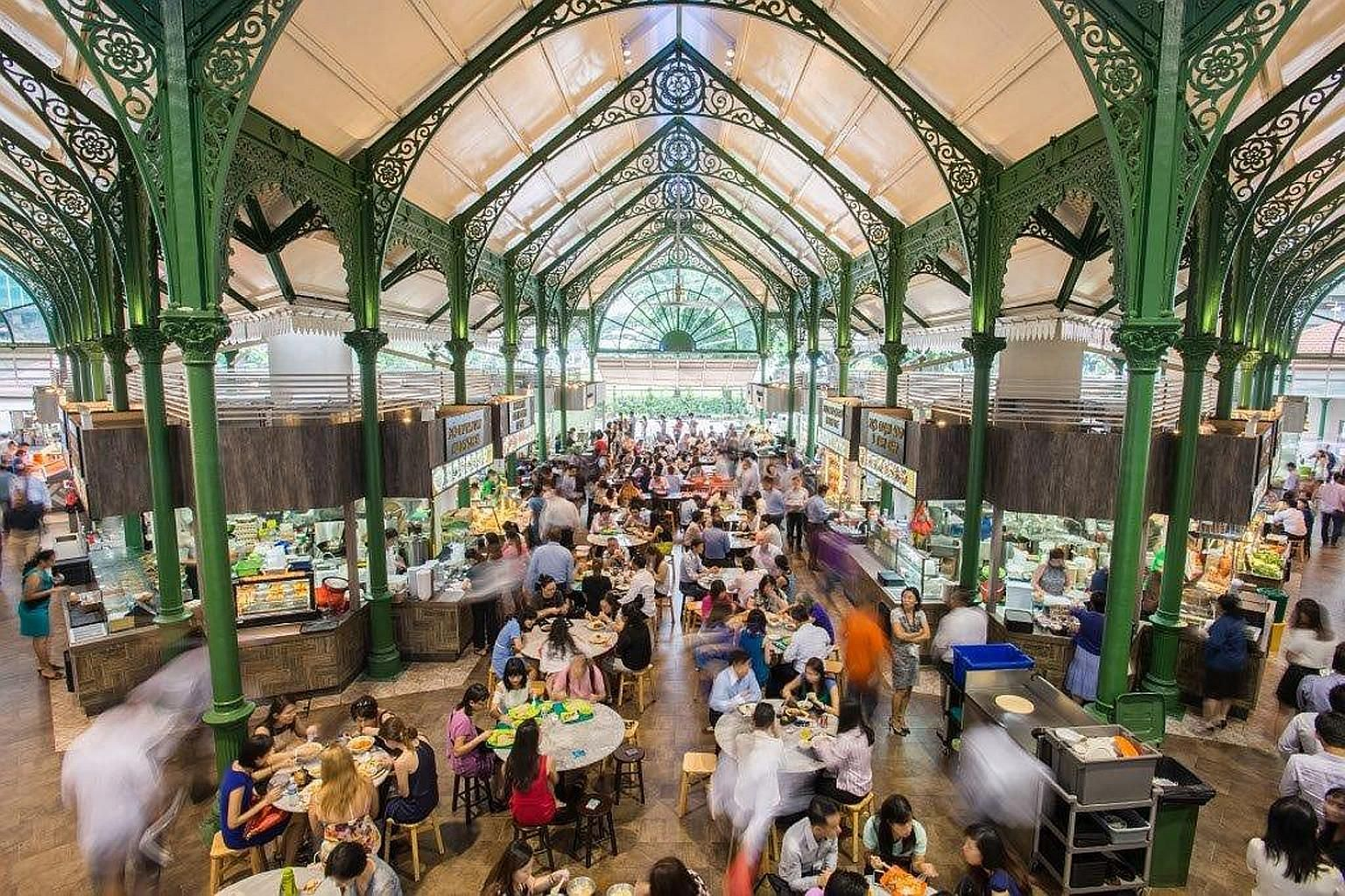 The majestic Lau Pa Sat is looking better and illustrates Kopitiam's strength - utilitarian spaces and strong curation of stalls. Crunch and chewiness in Thunder Tea Rice's version of this Hakka dish.