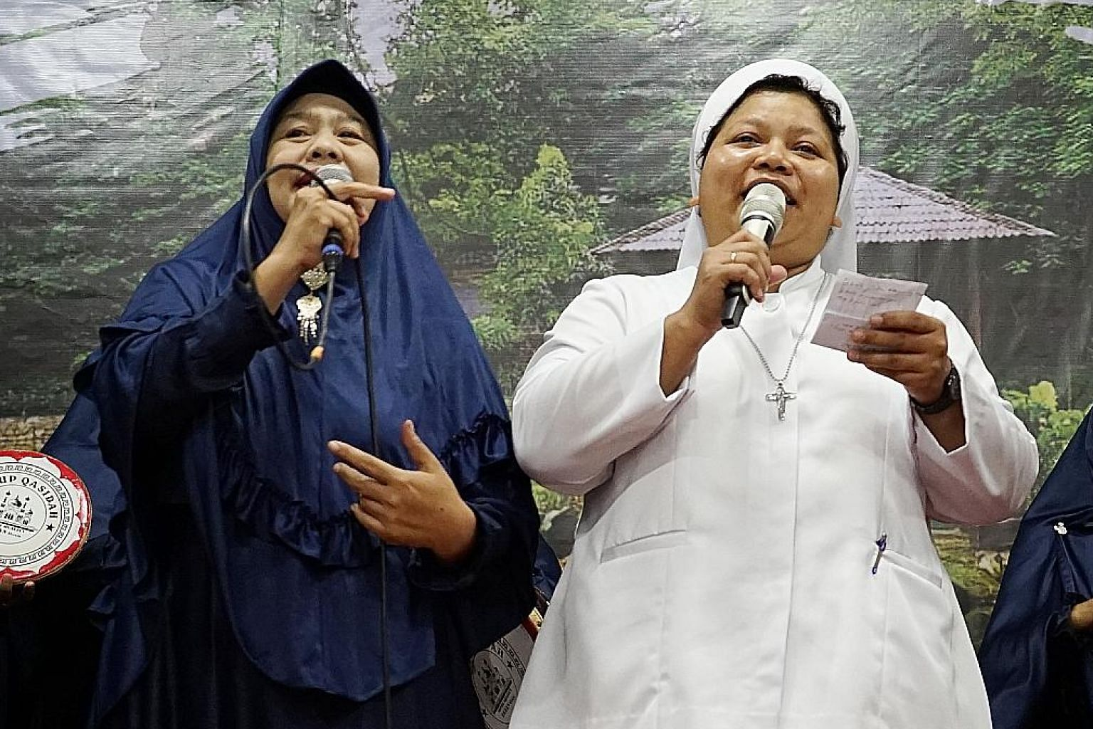 Two Christian nuns performing with a qasidah (Islamic pop music) group. Netizens praised their performance as a heartwarming example of interfaith acceptance amid rising intolerance.