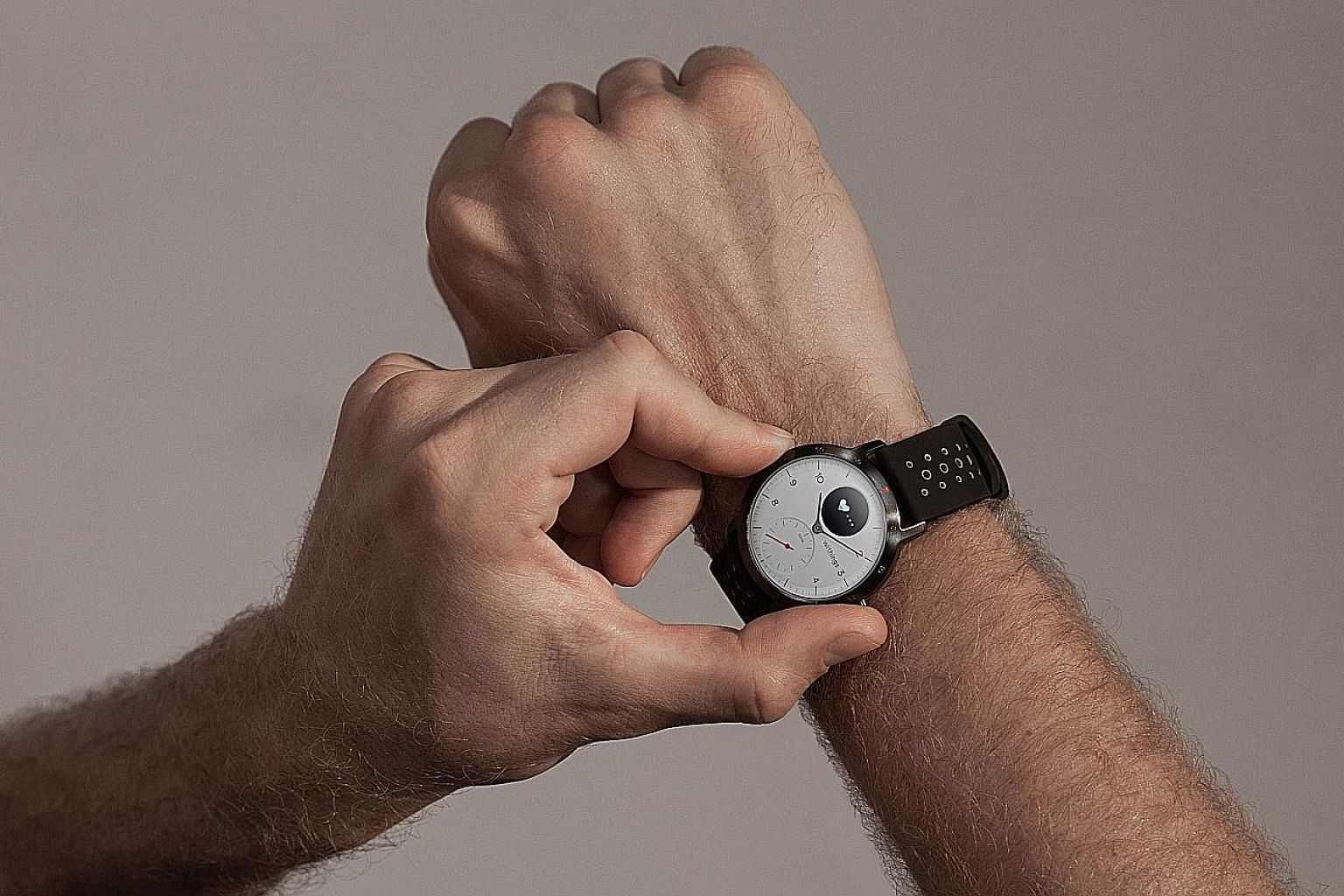The Withings Steel HR Sport smartwatch is said to last 25 days on a full charge while being paired with a smartphone.