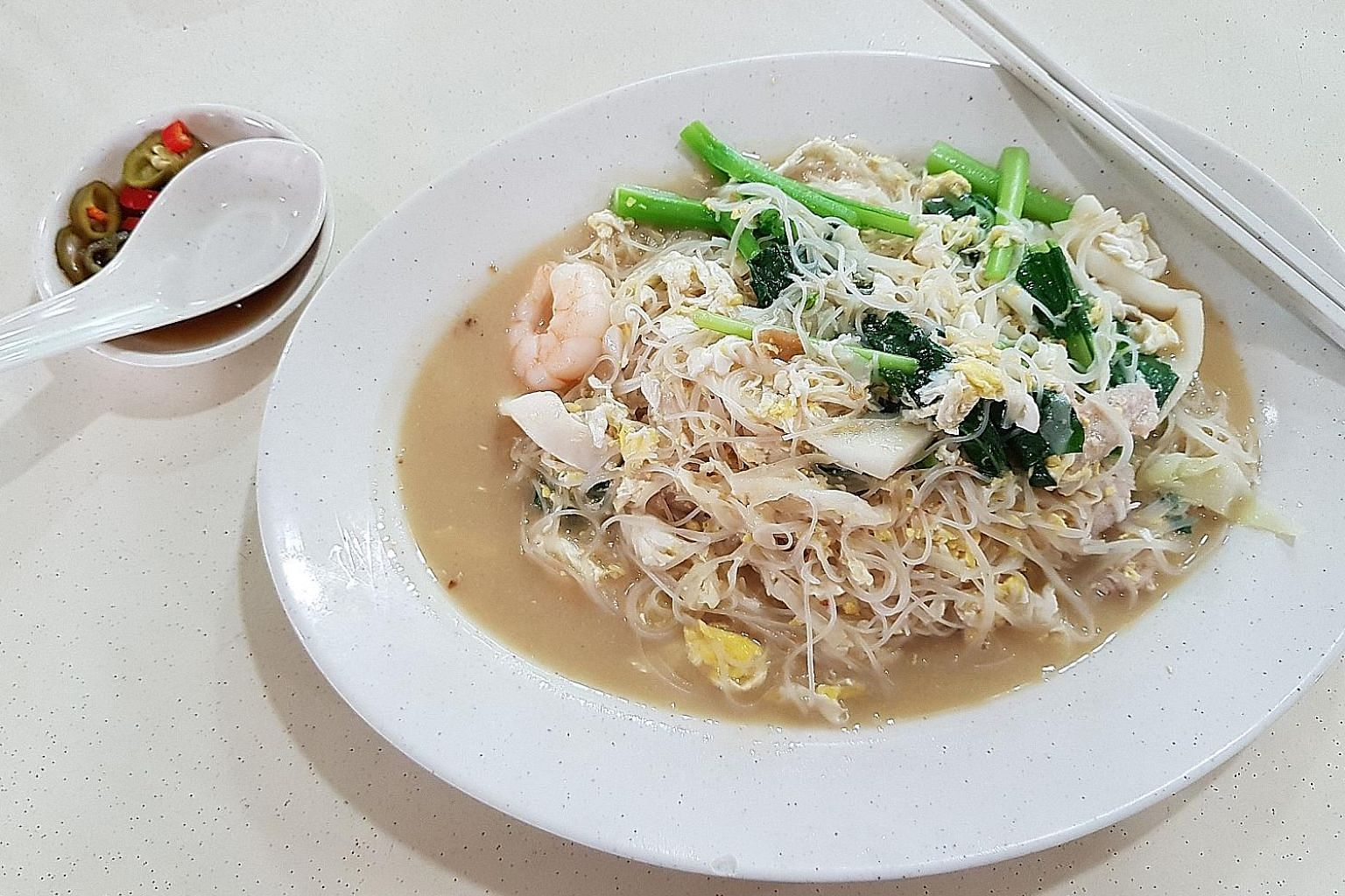 The white beehoon came with a nice variety of ingredients.