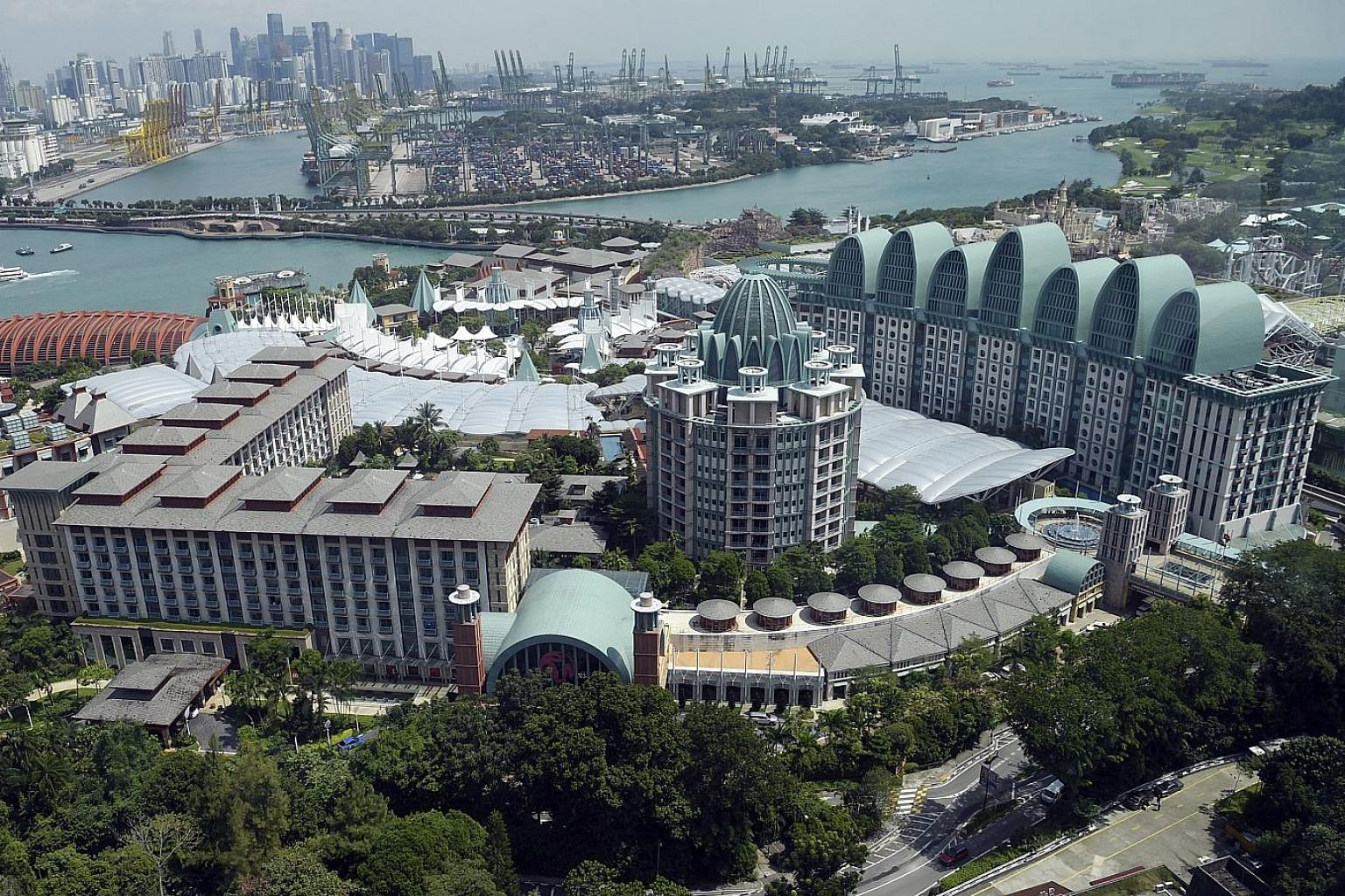 The redevelopment plan gives Genting Singapore an option to expand its gaming area and the resort's total gross floor area. Fitch believes Genting Singapore will maintain a stable dividend payout of around 3.5 cent per share during this period of hig