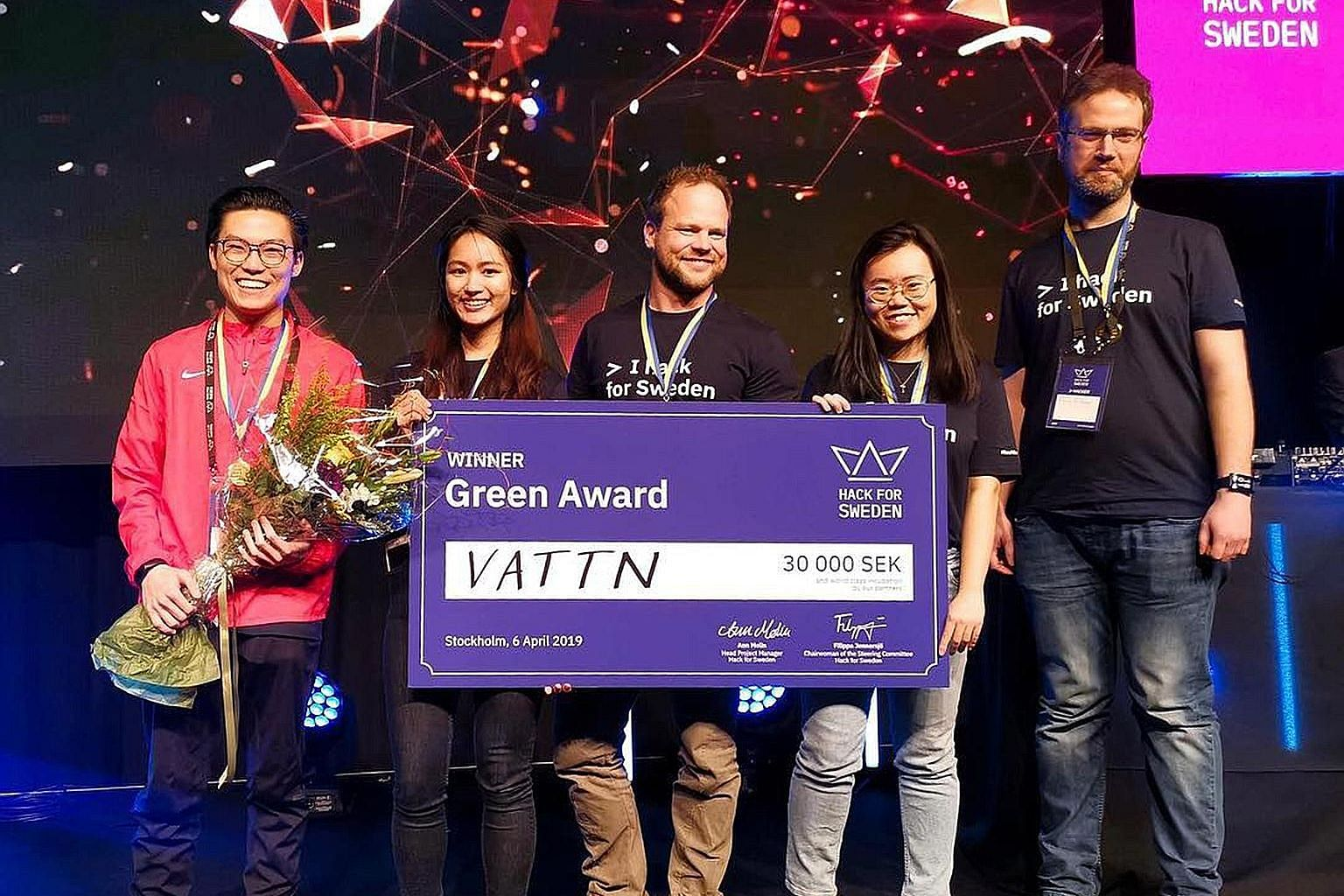 (From left) Mr Adelric Wong, Ms Yanisa Suratpipit, Mr Daniel Andersson, Ms Neo Ann Qi and Mr Philip Eriksson of Team Vattn. They beat 75 other teams across six categories to bag the first prize of the Green Award at the three-day Hack for Sweden 2019