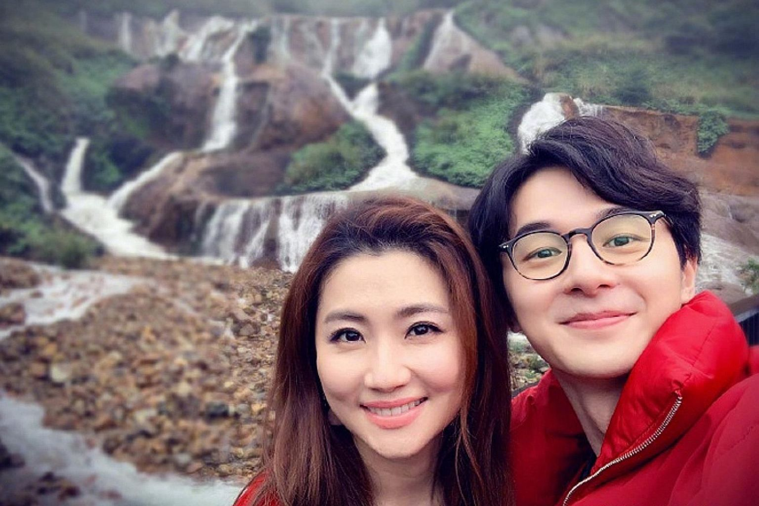 Singer Selina Jen posted several photos of herself with actor Derek Chang on Weibo and thanked him for appearing in her life. The pair met on Chinese reality dating show Meeting Mr Right.