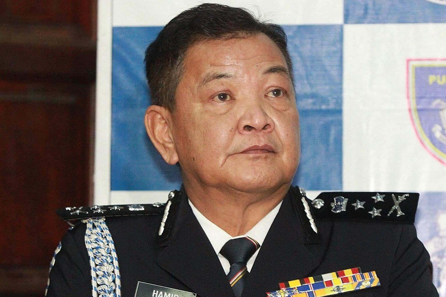 """Referring to Special Branch chief Abdul Hamid Bador (left), Malaysian Prime Minister Mahathir Mohamad said yesterday he """"thinks"""" he will be the next police chief after current Inspector-General of Police Mohamad Fuzi Harun (above) retires on Saturday"""