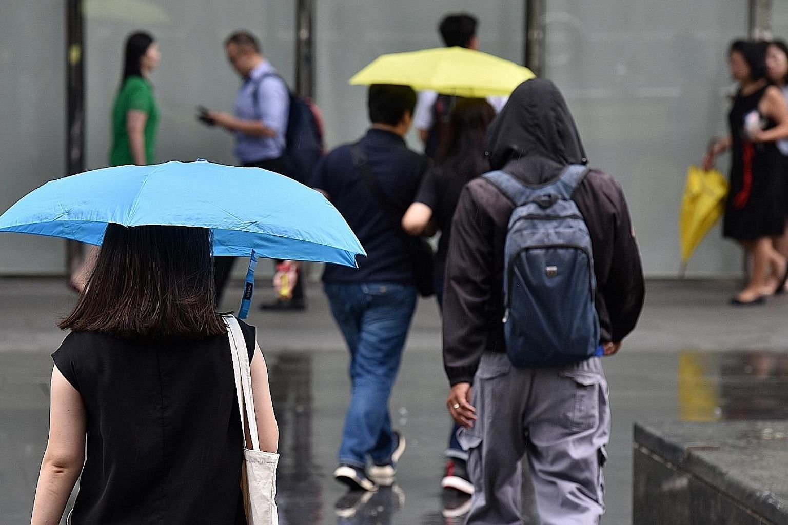Light rain in the early afternoon of May 7, when the highest daily maximum temperature - 35 deg C - of the first two weeks of the month was recorded in Clementi.