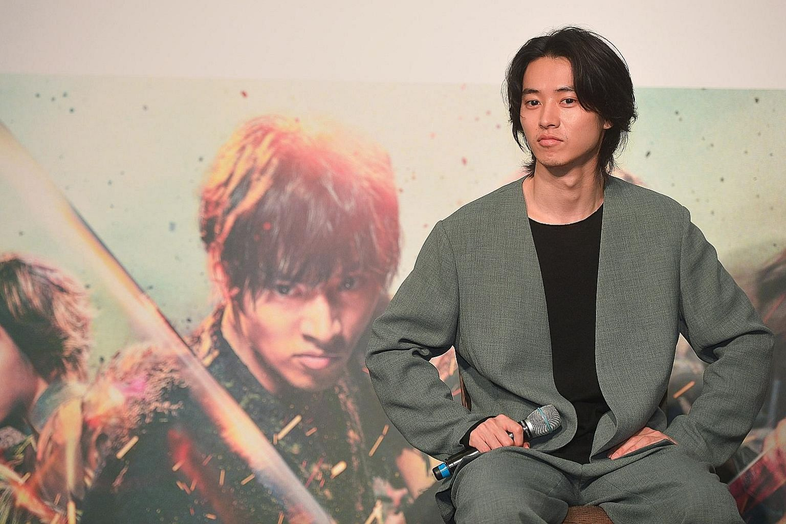 Japanese actor Kento Yamazaki, who headlines historical action film Kingdom, was in town on Monday for a press conference at Marina Bay Sands.
