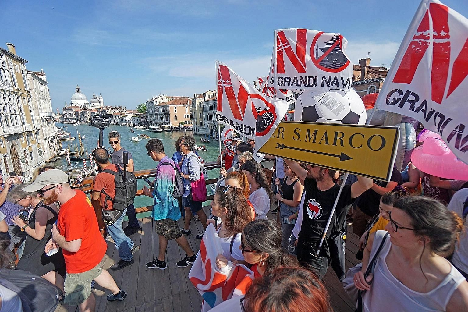 Thousands of people took to the streets in Venice last Saturday, calling for a ban on large cruise ships in the city following last week's collision between a massive vessel and a tourist boat. According to the Italian media, around 5,000 demonstrato