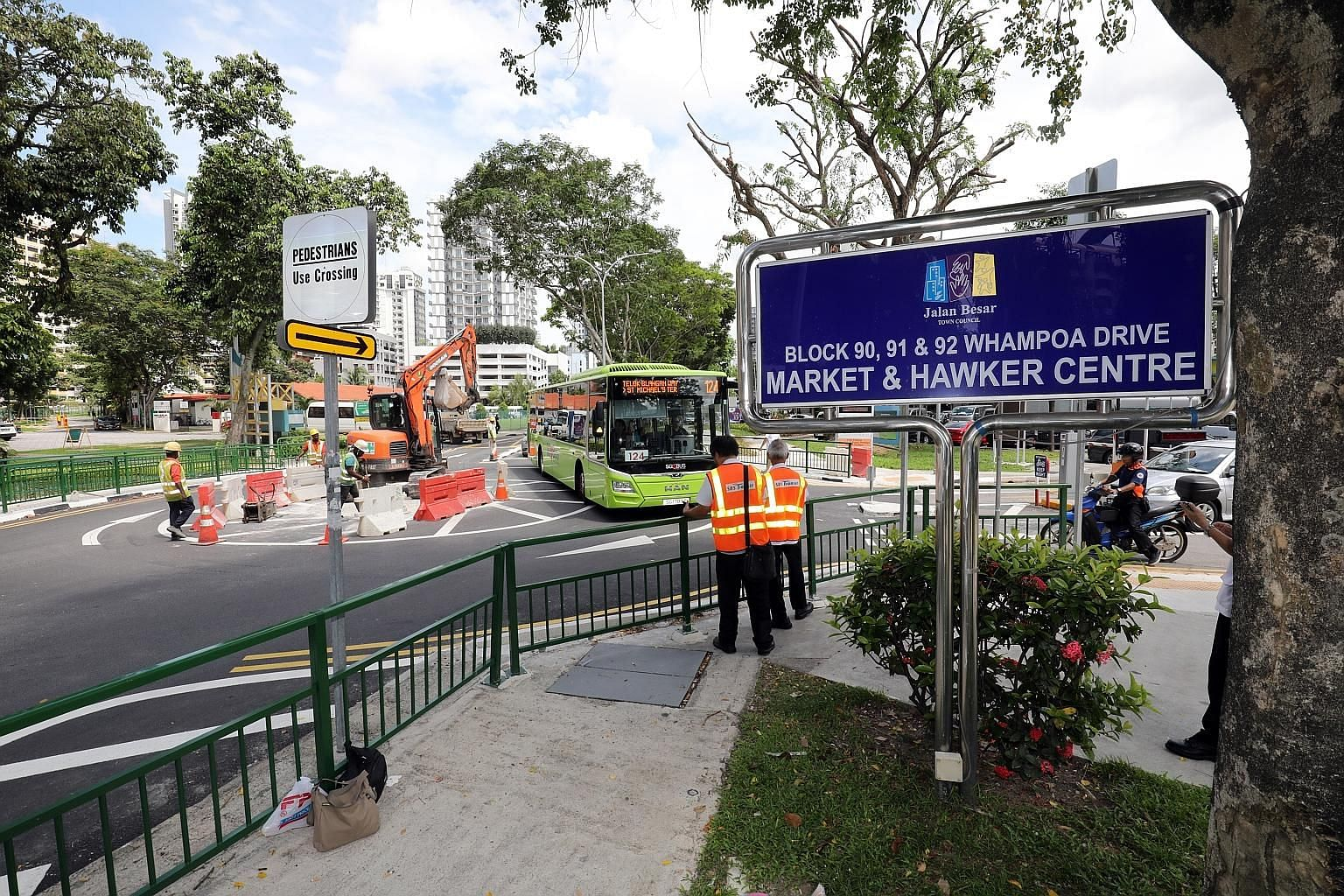 The roundabout is designed to allow larger vehicles, such as buses, to mount part of the central island when necessary to give them extra turning room. The central island of the roundabout will be painted bright yellow, and reflective studs will be p