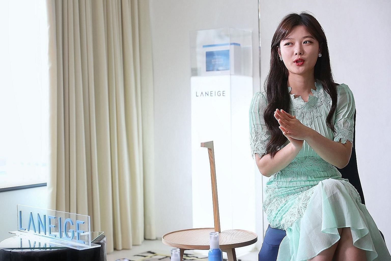 Actress Kim Yoo-jung has taken over from K-drama actress Song Hye-kyo as the new face of Laneige products.