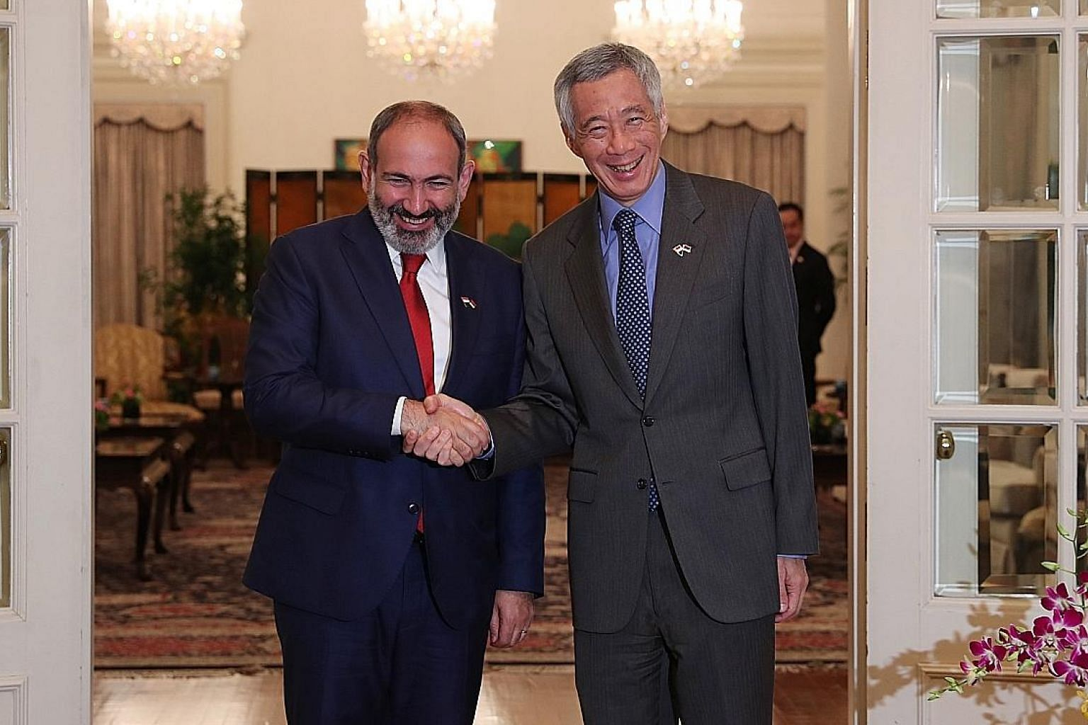 Armenian Prime Minister Nikol Pashinyan and Prime Minister Lee Hsien Loong at the Istana yesterday.