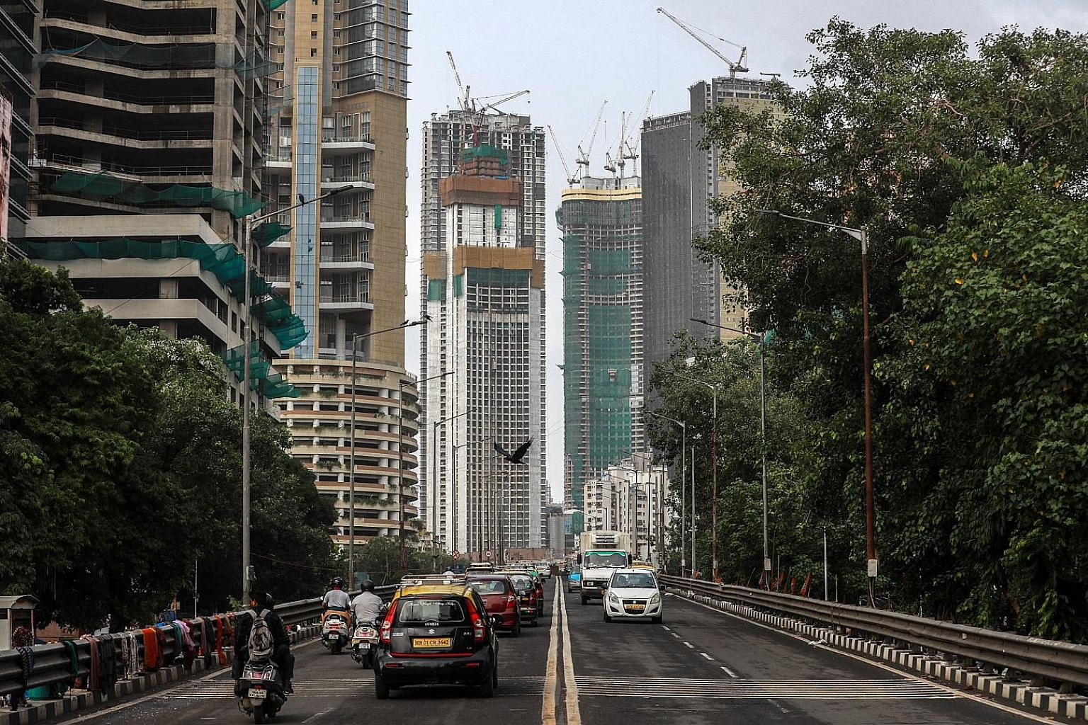 A frenzy of construction has gripped the Indian city of Mumbai over the past decade, but it now faces a glut of expensive housing. Unsold inventory in the city rose 14 per cent in the first half of this year from the same time a year earlier, accordi