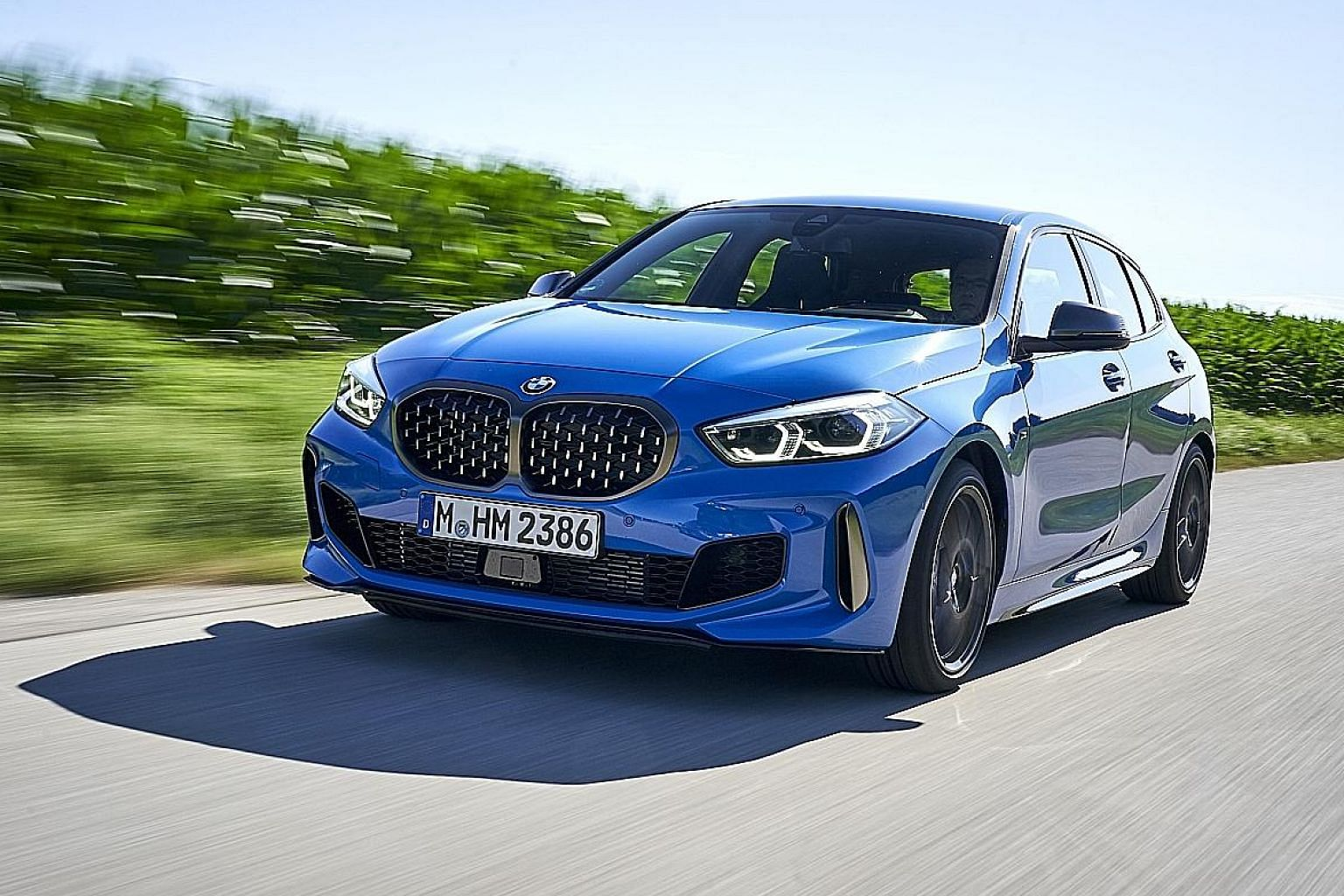 The BMW M135i packs a turbocharged 2.0-litre four-cylinder engine, with 306hp and 450Nm, and is paired with an eight-speed torque converter transmission.