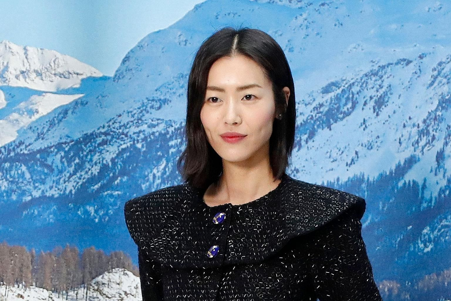 A Coach T-shirt listing Taiwan and Hong Kong as being separate from China provoked anger online. PHOTO: WEIBO Chinese model Liu Wen (above) said she was terminating her work with Coach, while Chinese actress Yang Mi (left) said she would stop collabo