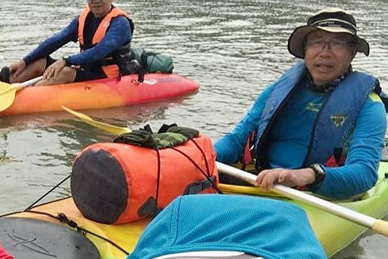 Missing kayaker Tan Eng Soon, 62, in a photo taken during the Mersing trip. With him is Madam Puah Geok Tin, 57, whose body was found near Kemaman. The two got separated from a group in bad weather.