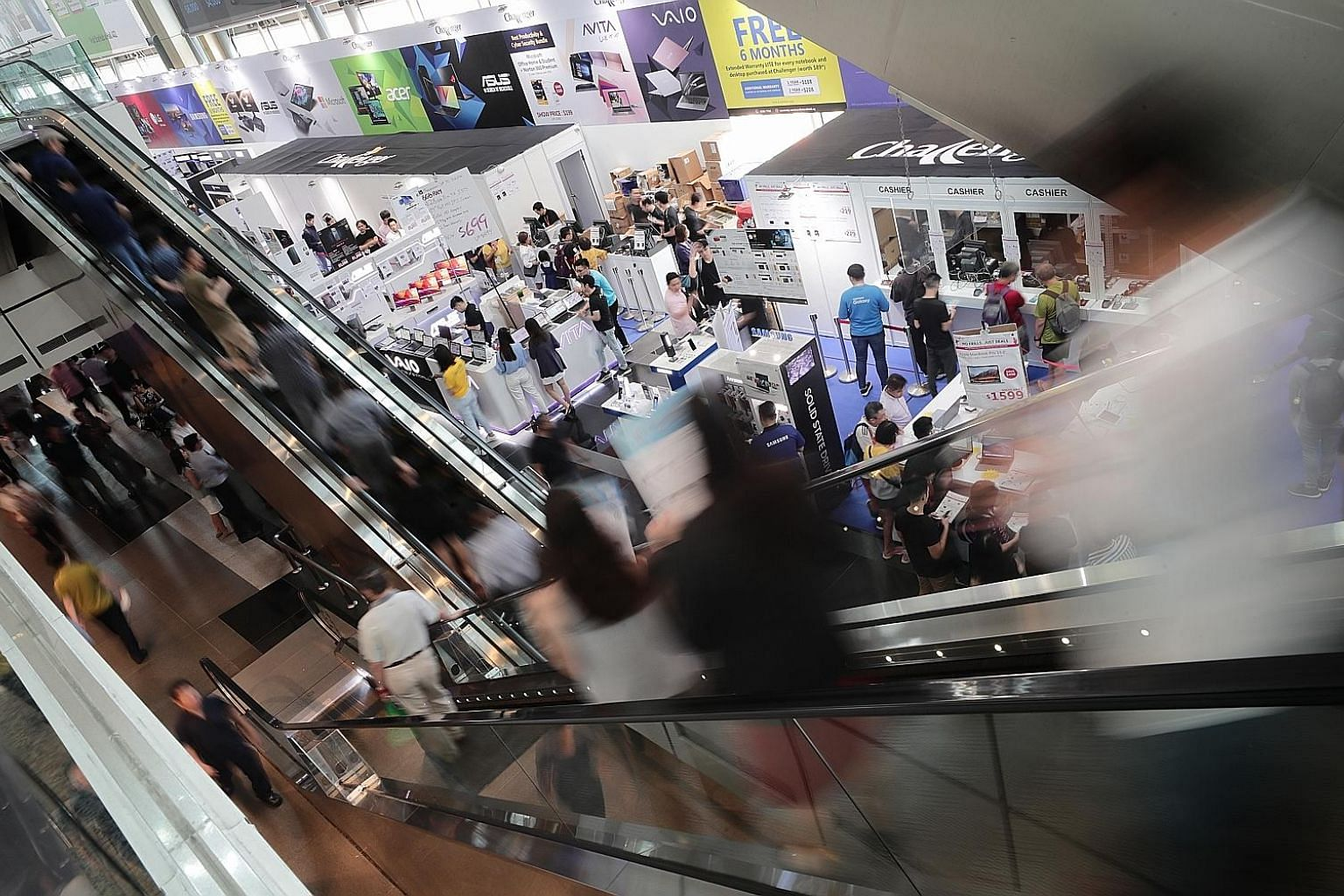 Around 500,000 visitors are expected at the four-day Comex 2019 consumer technology show at Suntec Singapore that ends on Sunday. Photography buffs can also look forward to the photography seminars on hand.
