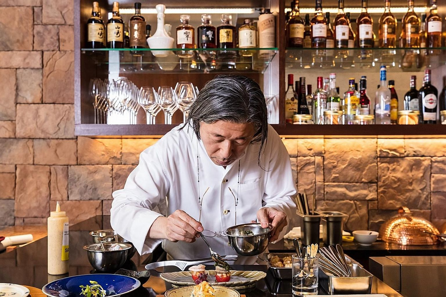 Chef Masayasu Yonemura from Teppan will be using ingredients flown in from Kansai to present exquisite, contemporary dishes true to his signature French-Japanese culinary style.