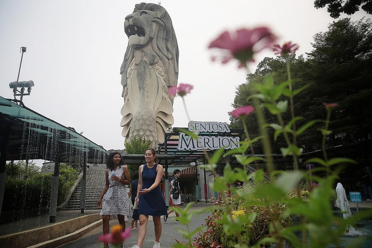 The Sentosa Merlion, the largest of the seven Merlion statues in Singapore, has towered over Sentosa for 24 years. Its last day of operation is Oct 20. ST PHOTO: JASON QUAH