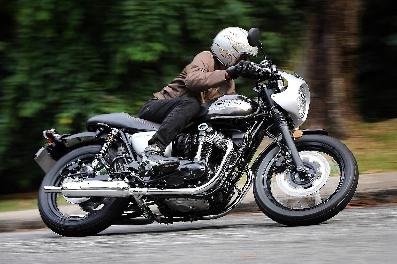 The Kawasaki W800 Cafe's roots go back to the W1 of the 1960s. The Cafe's shape and form get minimal tweaks, more horsepower and modern paint schemes.
