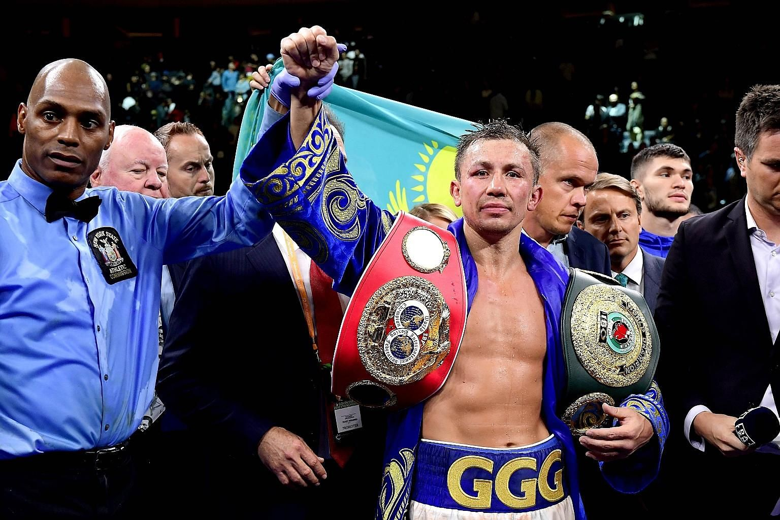 Gennady Golovkin beat Sergiy Derevyanchenko by unanimous decision to win the IBF middleweight title at Madison Square Garden on Saturday.