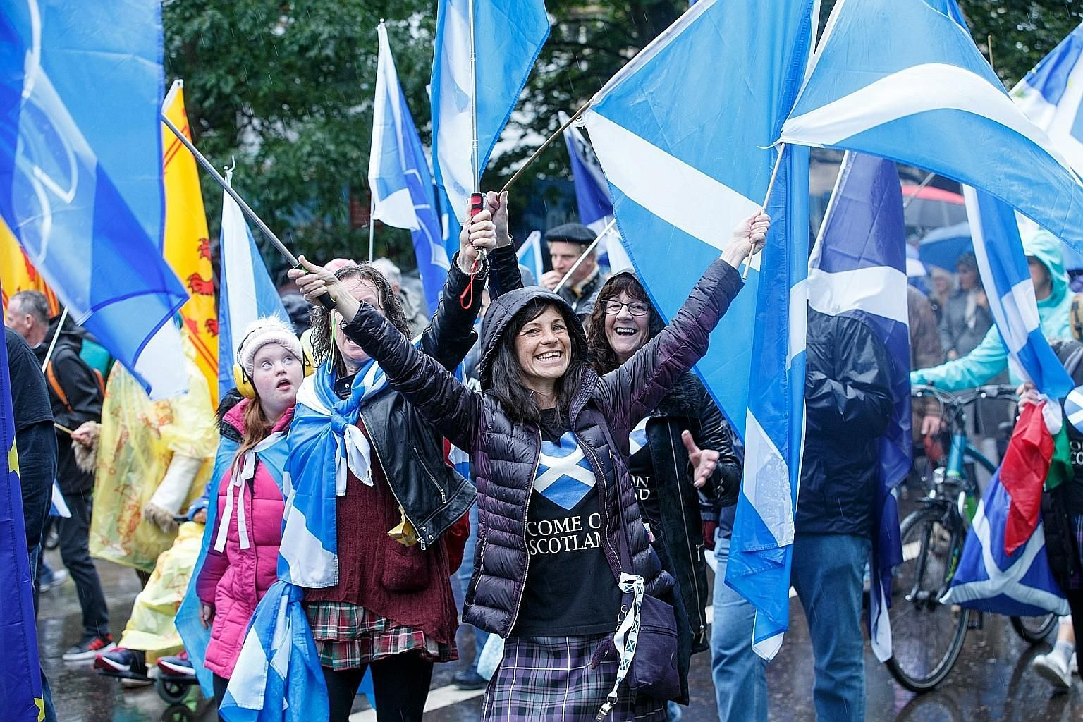 """According to All Under One Banner, which organised last Saturday's march in Edinburgh, more than 200,000 people turned up for the rally. Many carried Scottish flags, some chanted """"What do we want? Independence"""", as they made their way up the famous R"""