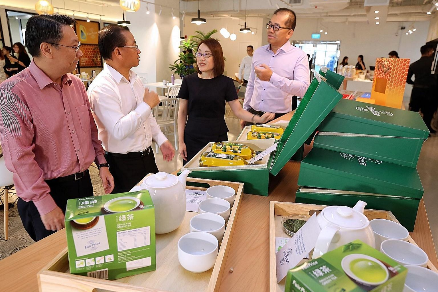 (From left) FairPrice corporate communications and brand director Jonas Kor, chief executive Seah Kian Peng, managing director and deputy head of products Grace Chua and deputy chief executive and head of products Tng Ah Yiam with some of the superma