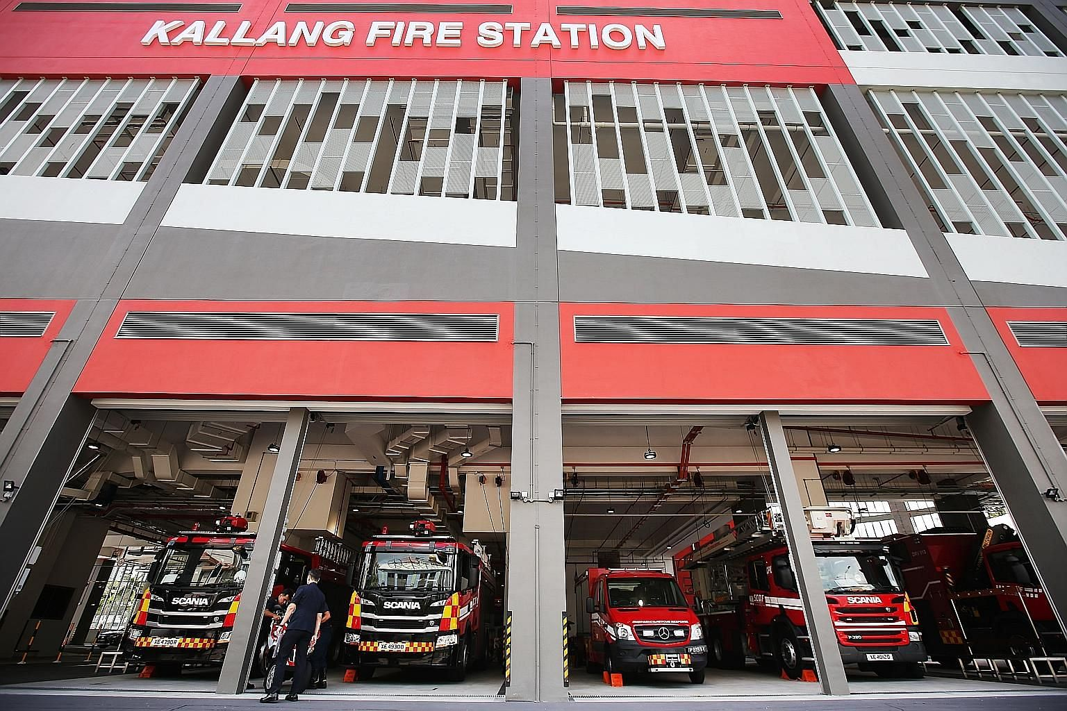 Mr Shanmugam visiting the Home Team Joint Facility in Kallang Fire Station. It includes a main command room where personnel from the police, Singapore Civil Defence Force and other agencies will work together. Home Affairs and Law Minister K. Shanmug