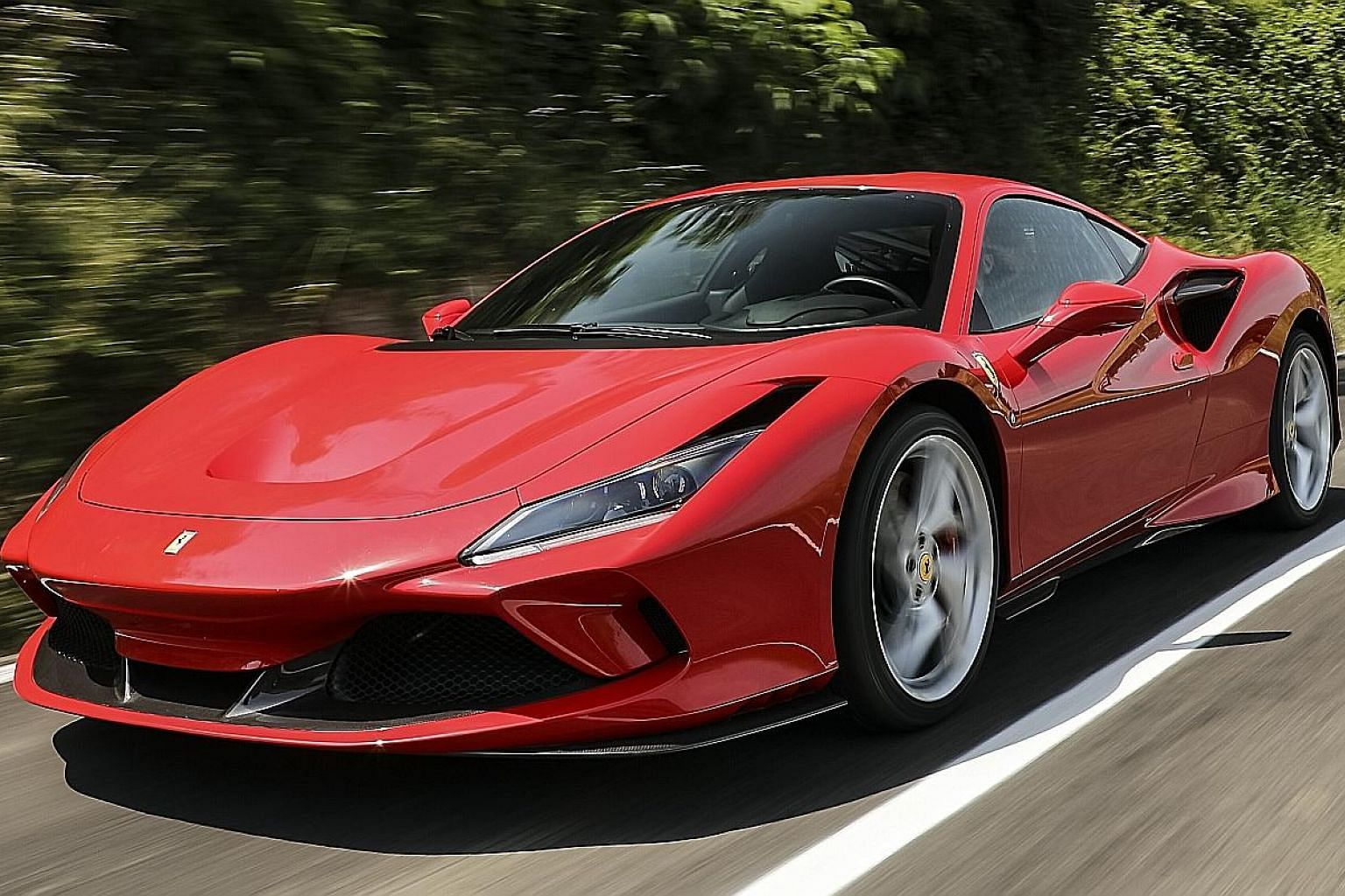 The Ferrari F8 Tributo is some 40kg lighter than the 488 GTB, and this helps it get to 100kmh in 2.9 seconds. By 7.8 seconds, it passes 200kmh.