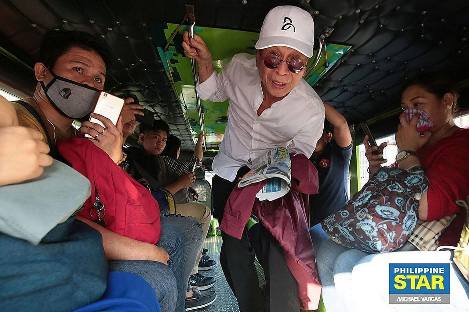 Mr Salvador Panelo, spokesman for Philippine President Rodrigo Duterte, took four jeepneys and a motorcycle ride to get to his office in Manila on Friday. He spent nearly four hours to travel 20km, in a much-ballyhooed publicity stunt amid complaints