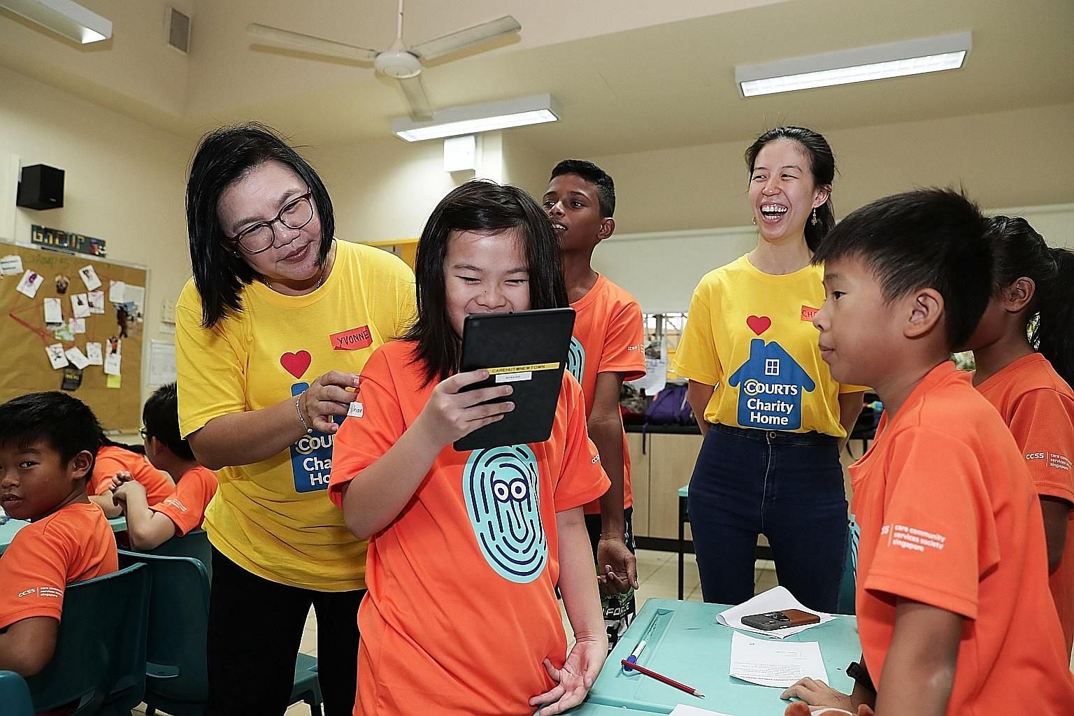 Electronics, IT and furniture products retailer Courts Singapore on Thursday donated more than $17,000 worth of digital and home appliances to four student care centres under local charity Care Community Services Society. The initiative, which benefi