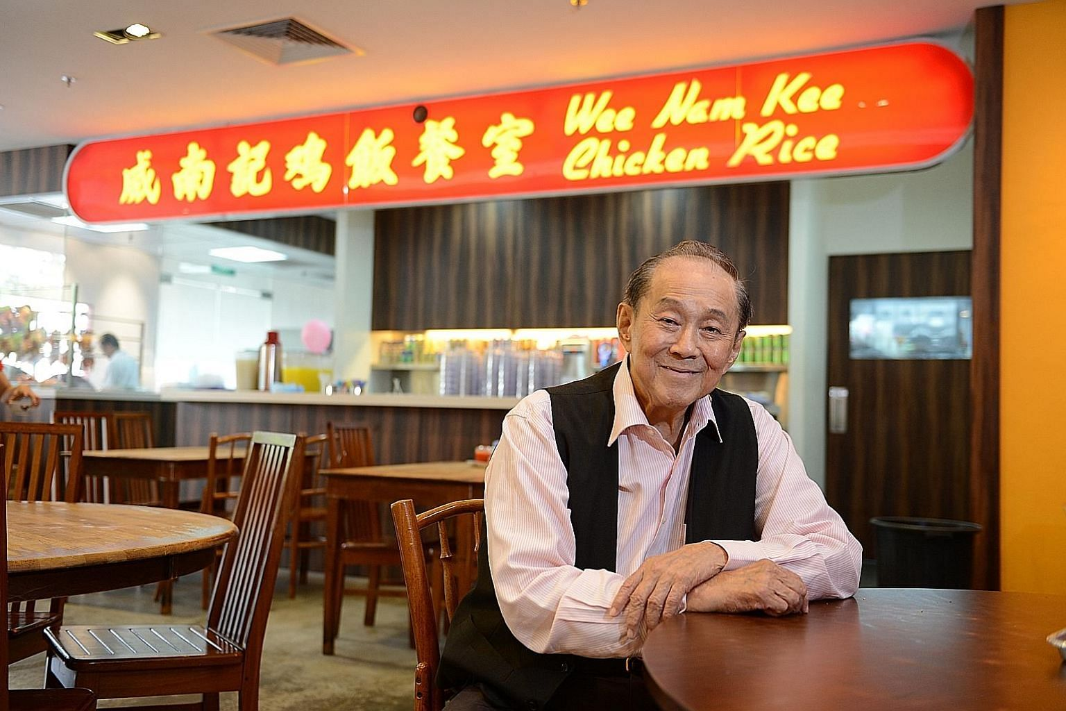 Mr Wee Toon Ouut was a welcoming sight for the writer whenever he dined at Wee Nam Kee, and his conversations with Mr Wee gave him extraordinary insights into people and events in Singapore's past.