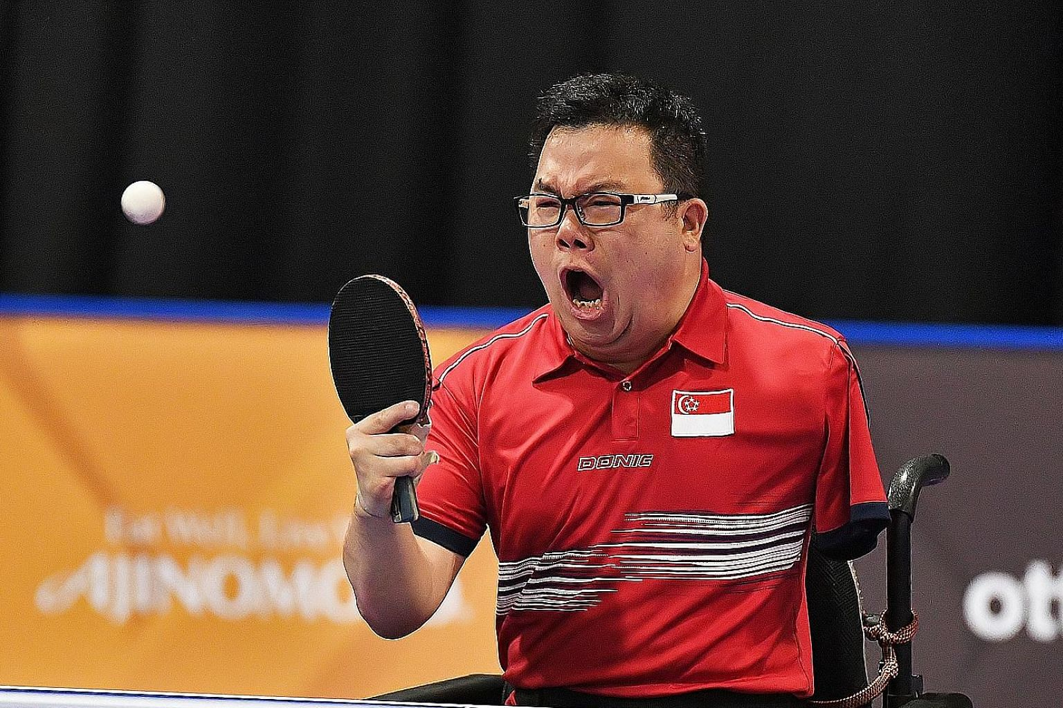 Jason Chee celebrating after beating Thailand's Thirayu Chueawong at the 2017 Asean Para Games to clinch his first individual gold.